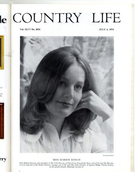 1974 COUNTRY LIFE MAGAZINE Marion Rowan Christie STRATHDON Alaska Oil HARRINGTON HALL Dadd (8104)